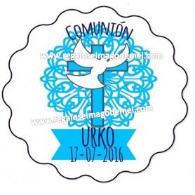 Etiqueta de comunion forma galleta cruz y paloma