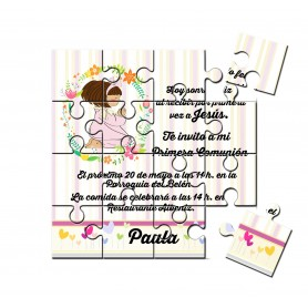 Invitacion de comunión niña rezando en puzzle