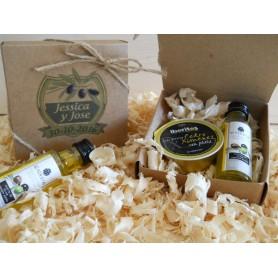 Caja con aceite de oliva y pate