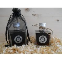Botella de cristal con vinagre