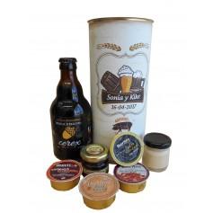 Lata personalizada para detalle de invitados con abre fácil con productos gourmet