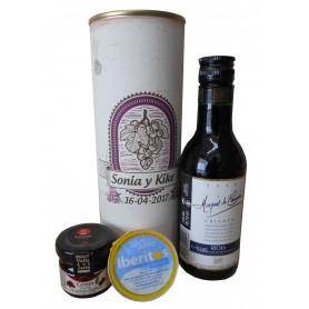 Botella de vino Tinto Crianza Marqués de Carrión con crema de queso azul y mermelada en lata personalizada