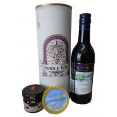Botella de vino tinto Mayoral con crema de queso azul y mermelada en lata personalizada