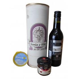 Botella de vino tinto Crianza Antaño con crema de queso azul y mermelada en lata personalizada