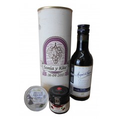 Botella de vino tinto Crianza Maques de Carrion con crema de queso de cabra y mermelada en lata personalizada
