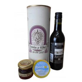 Botella de vino Crianza Antaño con crema de queso de azul y miel en lata personalizada