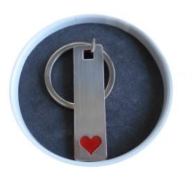 Llavero corazon para detalles de boda en lata personalizada